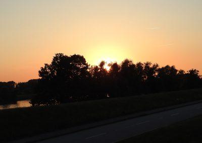 Marschländer Elblounge Sonnenuntergang